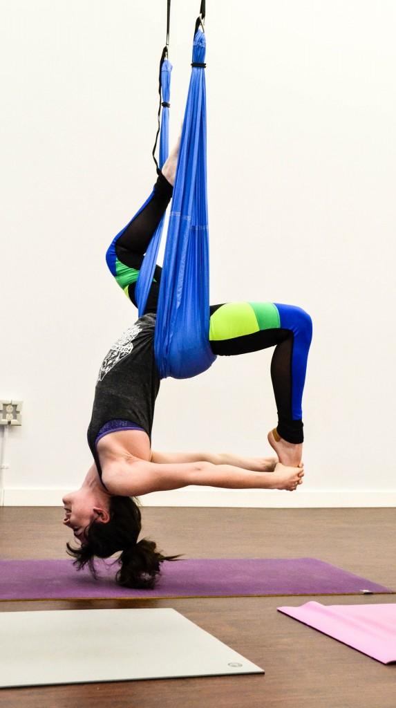 aerial hoop fly joga
